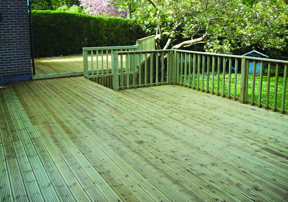 decking services nottingham garden decking